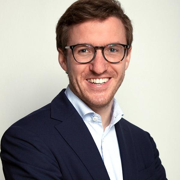 Dr. Adrian Fuchs