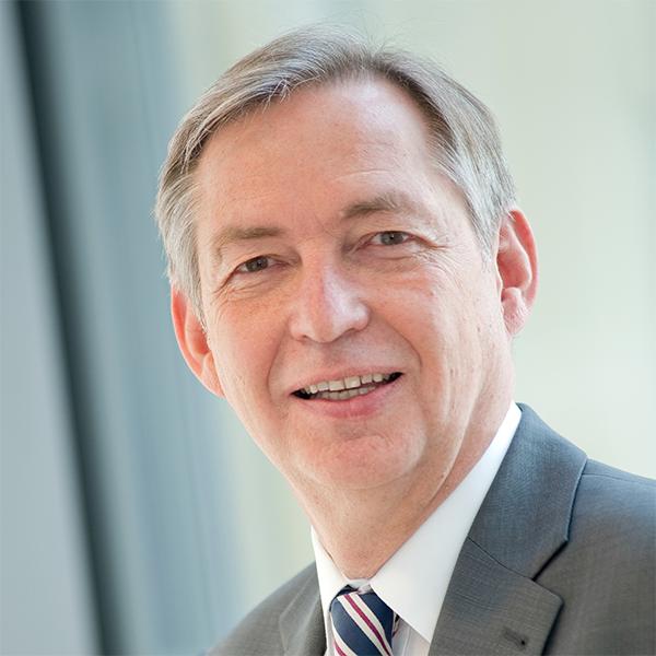Dr. Reinhold Achatz